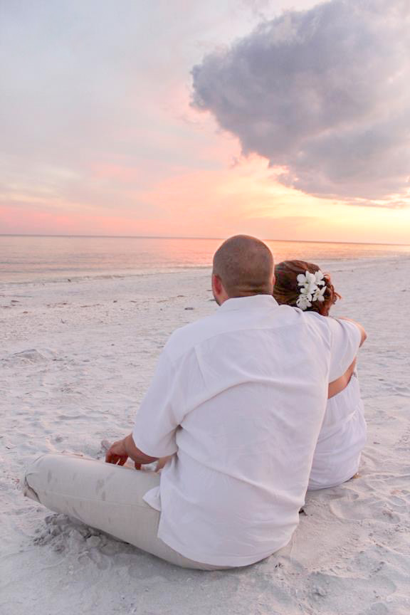 Beach wedding in Sanibel Island Florida by DeeLee Photography with Ceremony at Casa Ybel