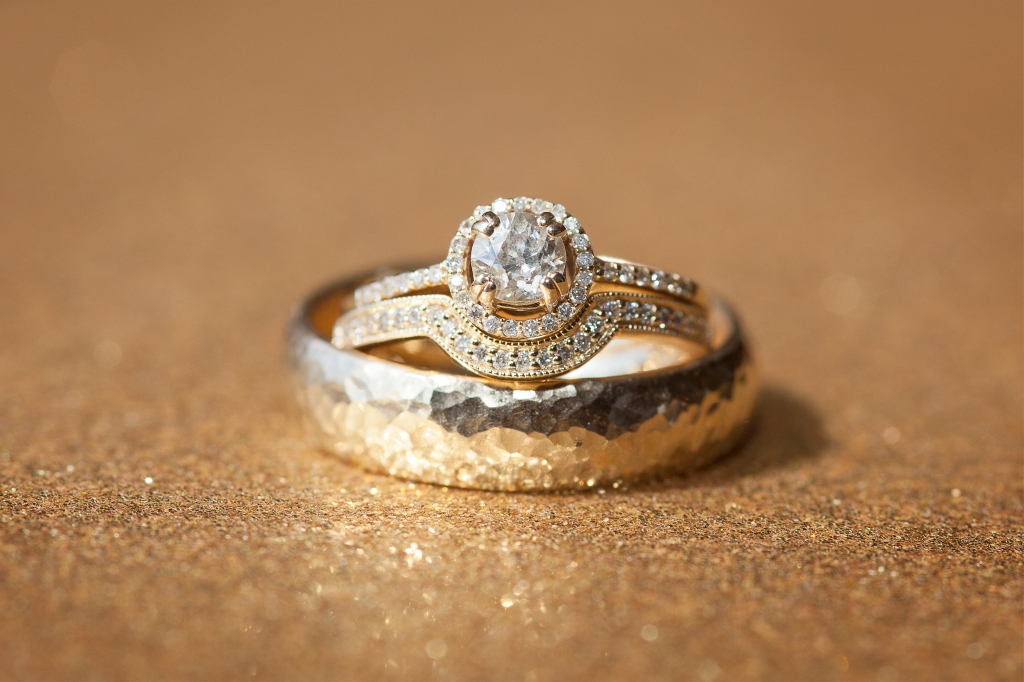 Wedding ring photography ideas in gold and sparkly
